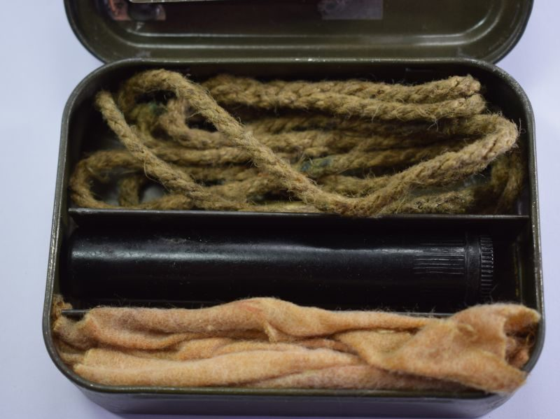 Excellent Late WW2 Pattern Rifle Cleaning Kit & Tin Dated 1946
