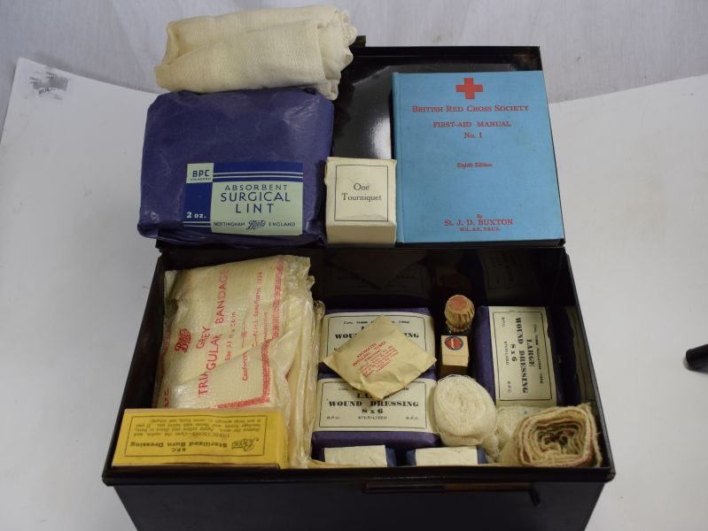 WW2 ARP Wardens First Aid Case Complete with Original Contents