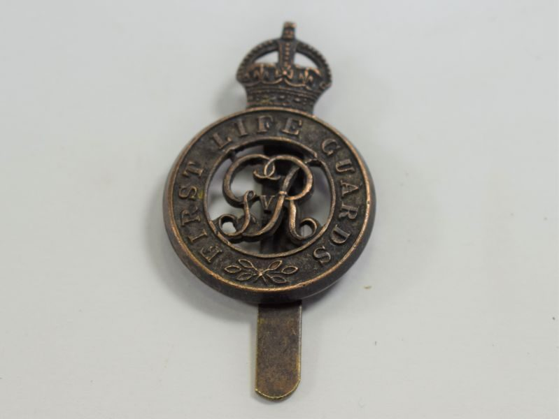 Original WW1 WW2 First Life Guards Cap Badge
