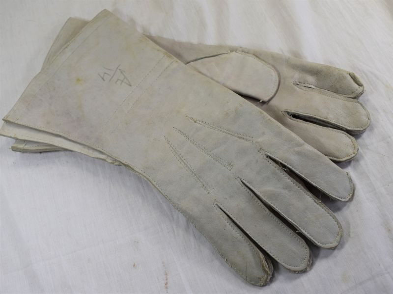 48 Excellent Original WW2 Indian Made Dispatch Riders Gauntlets in Blue Grey Leather