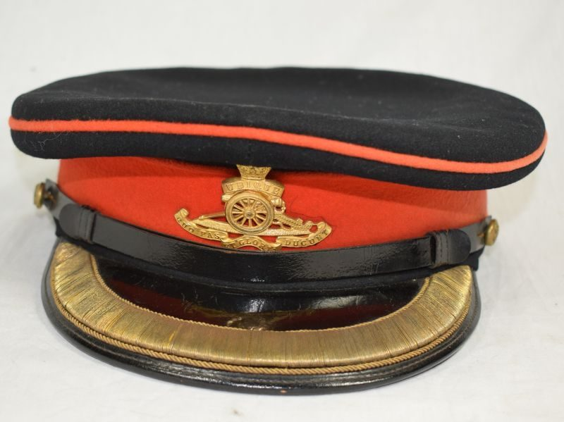 Excellent Original WW1 WW2 Royal Artillery Officers Dress Cap & Guilt Badge