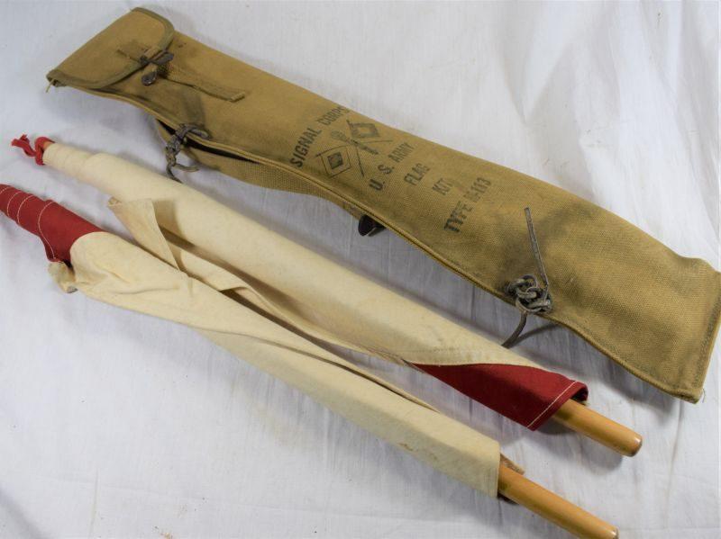 Original WW1 WW2 US Army Issue US Army Signal Corps Flag Kit Type M-113