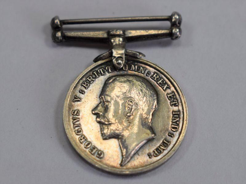 Original WW1 British Silver War Medal Miniature