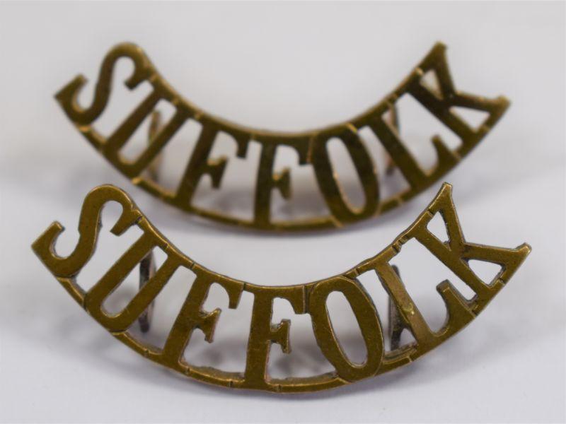 WW1 WW2 British Army Suffolk Regiment Brass Shoulder Titles