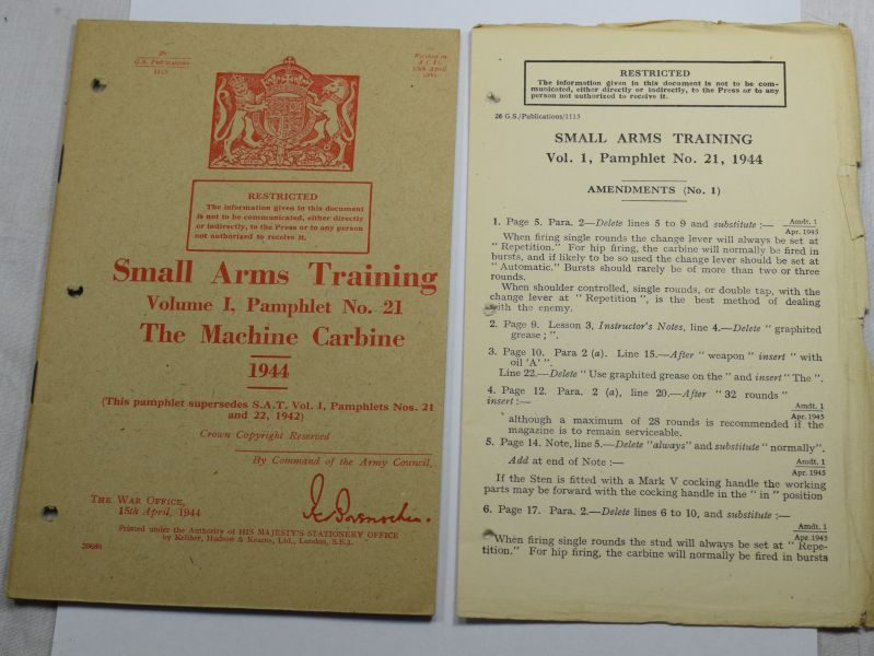 45 Original WW2 British Small Arms Training Pamphlet Vol I No21 The Machine Carbine 1944