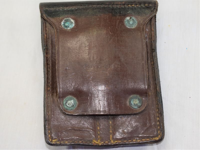 Excellent US Army Pistol Magazine Pouch in Black Leather Boyt 1946