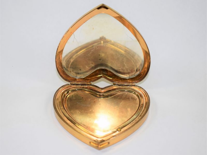 Lovely Original WW2 US Army Heart Shape Sweetheart Compact