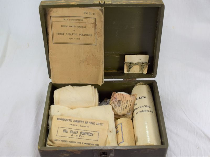 Original WW1 WW2 US Army American Red Cross Motor Corps First Aid Box & Contents
