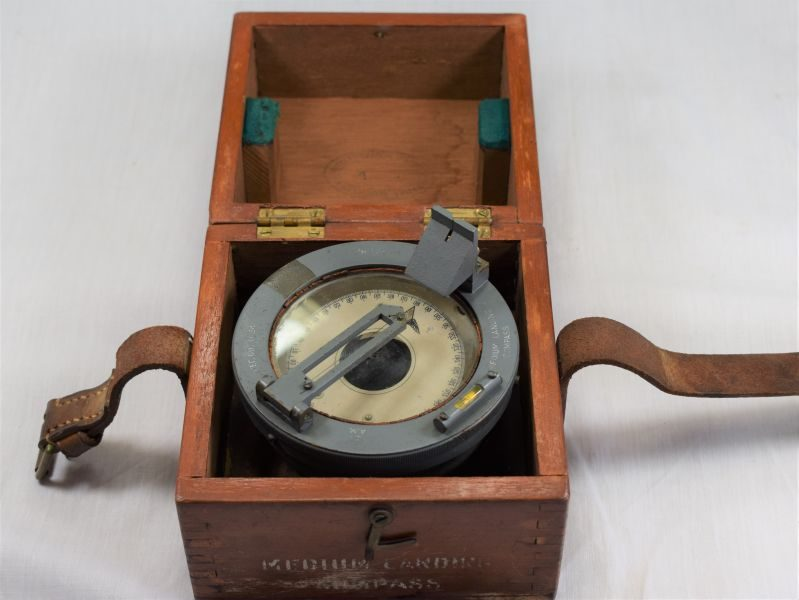 Excellent Early WW2 RAF Medium Landing Compass 6B/O.34