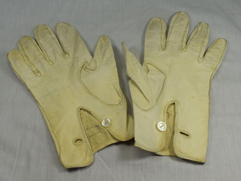 WW2 Era British Army Officers Soft White Leather Gloves