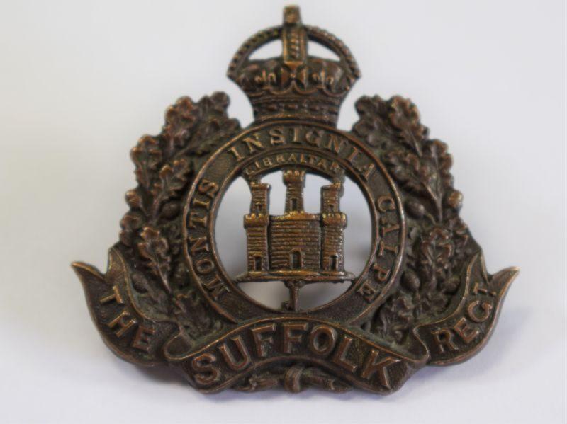 17 Excellent Original WW1 WW2 The Suffolk Regiment Officers Bronze Cap Badge