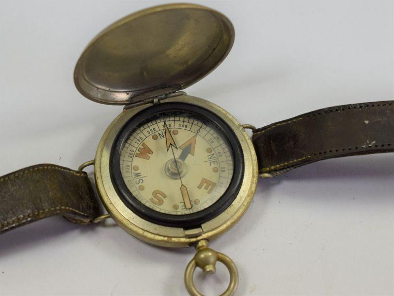 19 Excellent Original WW1 British Army Officers Wrist Compass & Straps