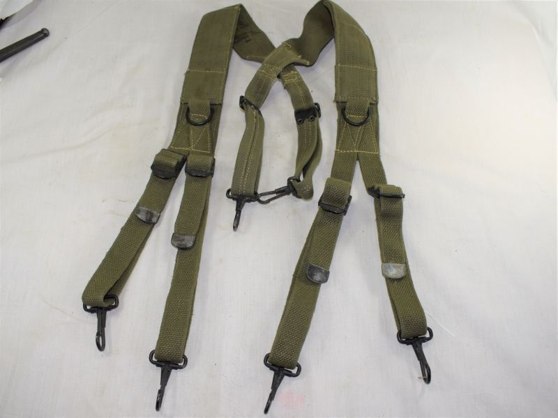 Unusual Mint WW2 US Army Issue Padded Webbing Braces