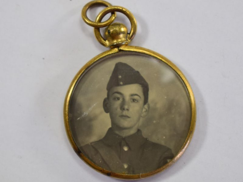 Lovely Small WW2 Double Sided Pendant with Photo of Young WW2 Soldier