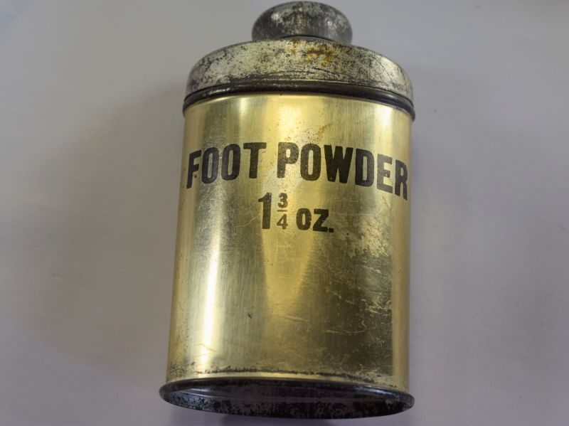 Original Early WW2 British Army 1 ¾ OZ Tin of Foot Powder