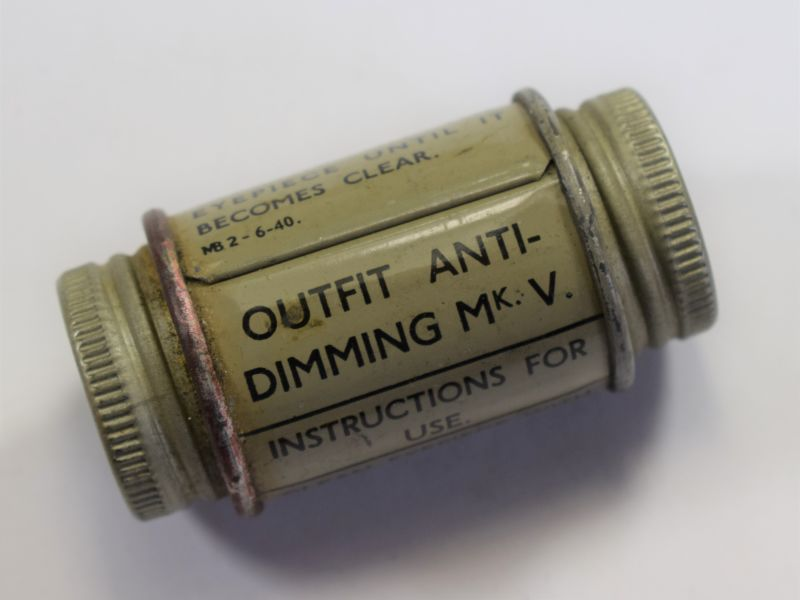 WW2 British Outfit Anti-Dimming MkV Dated 1940