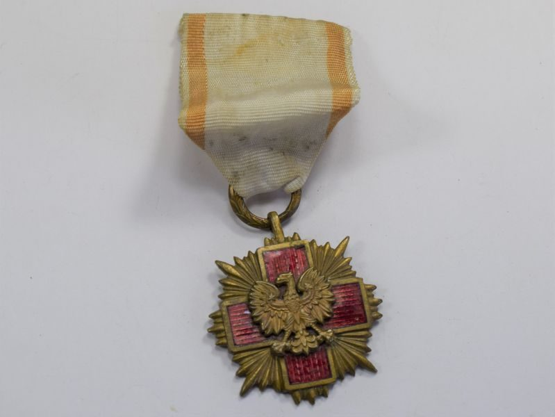 Vintage 1920s – Post WW2 Polish Red Cross Medal