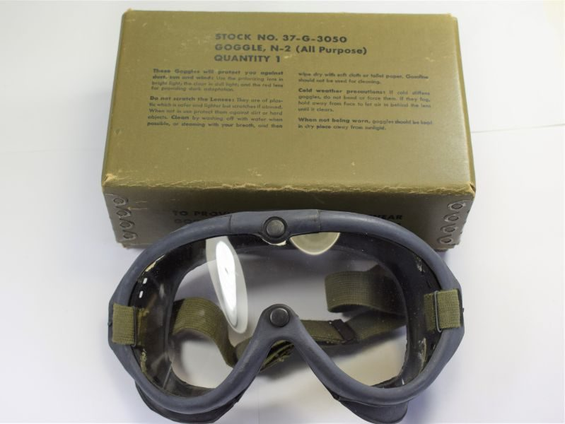 Excellent Unissued WW2 US Navy M-1944 Goggles, Issue Box & Spare Lenses