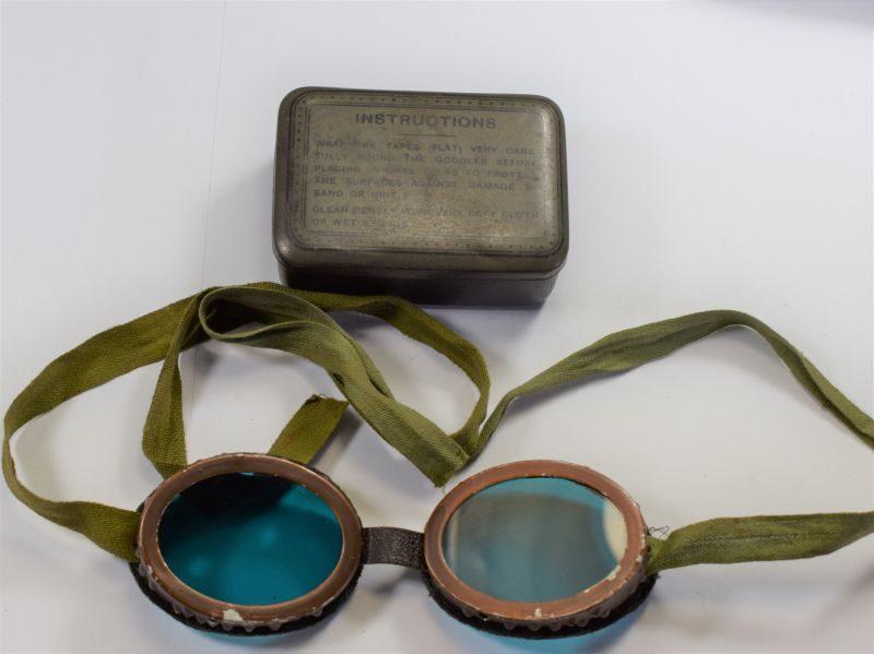27 WW2 British Military Sun & Dust Goggles Ski Goggles In Issue Tin
