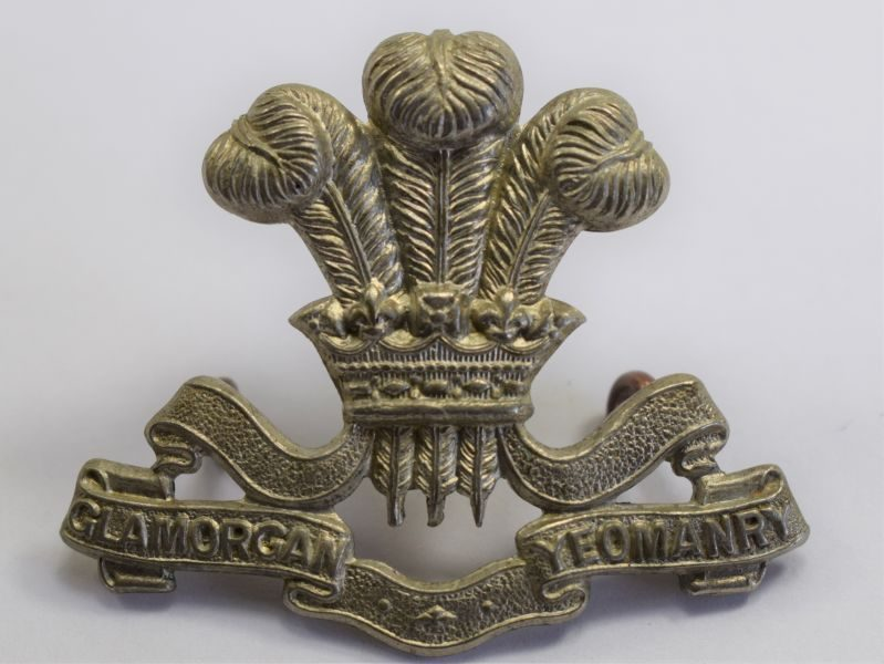 23 Original WW1 WW2 Glamorgan Yeomanry White Metal Cap Badge
