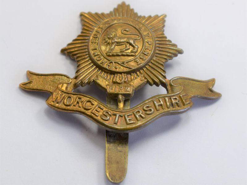 31 Original WW1 WW2 The Worcestershire Regt Brass Cap Badge