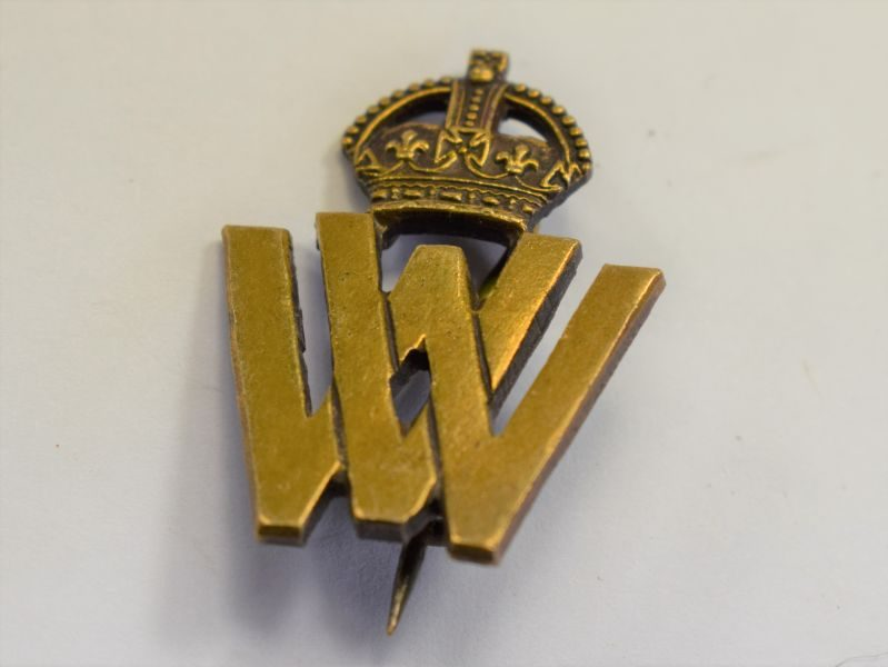 35 An Original WW1 Volunteer Worker Brass Pin Badge