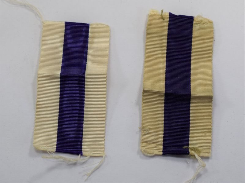 A Pair of Original WW1 WW2 Military Cross Medal Ribbons