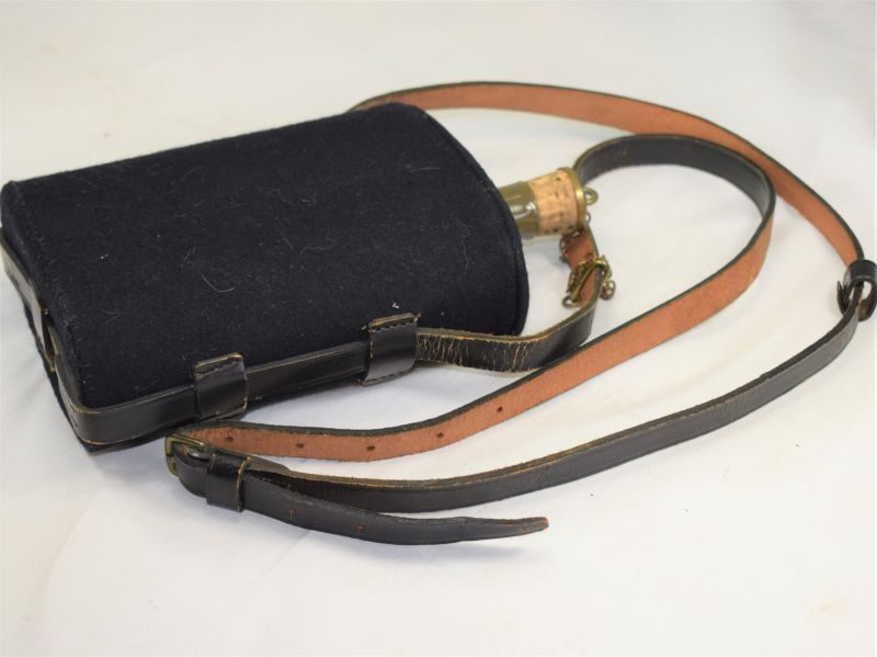 WW1 WW2 British Black Blanket Covered Water bottle & Strap  St John Ambulance, Police etc