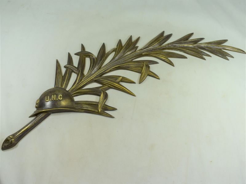 Large 1920s-30s Union National Des Combattants Bronze Wreath & UNC Helmet