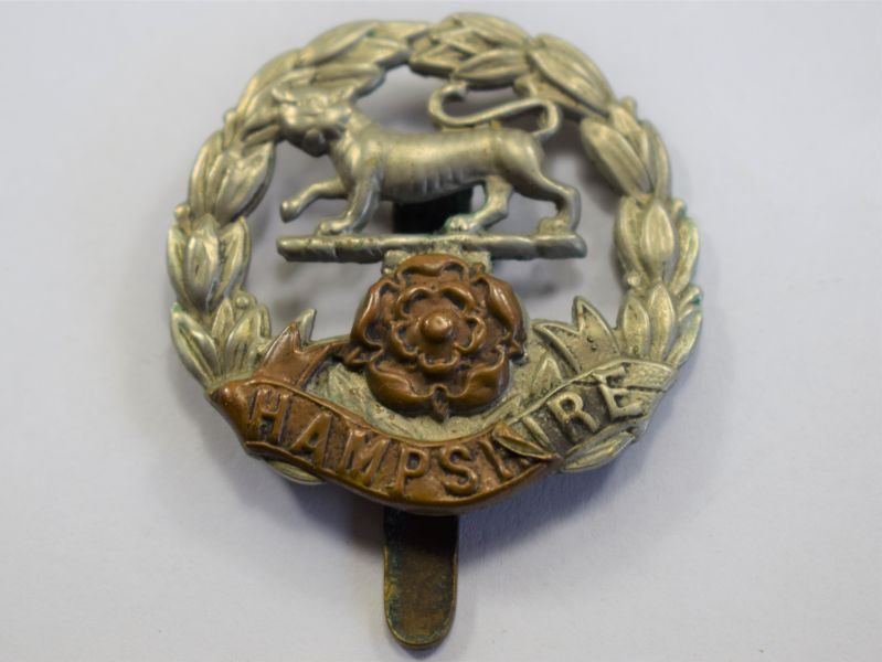 88 Original WW1 WW2 Hampshire Regiment Cap Badge