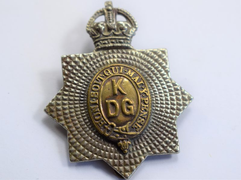 37 An Original WW1 WW2 Cap Badge The Kings Dragoon Guards