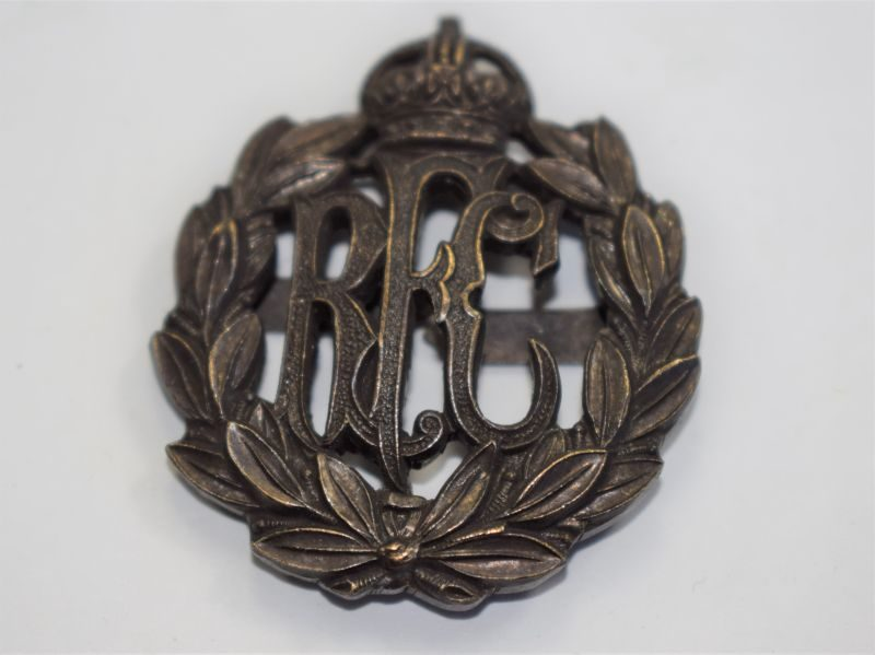 38 An Original WW1 Officers Bronze Cap Badge The Royal Flying Corps