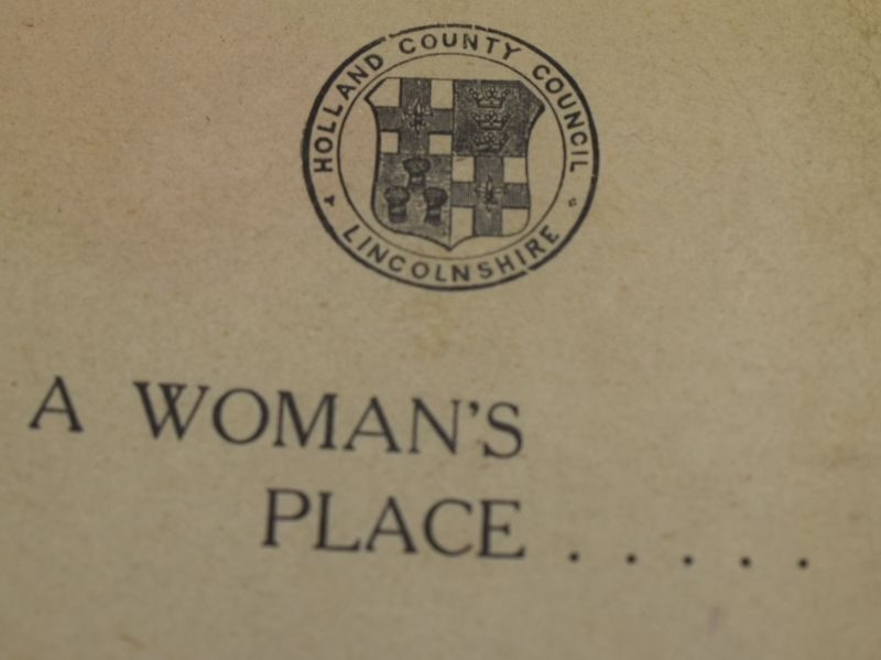 Interesting Early Post WW2 Booklet A Woman's Place, Lincolnshire County Council