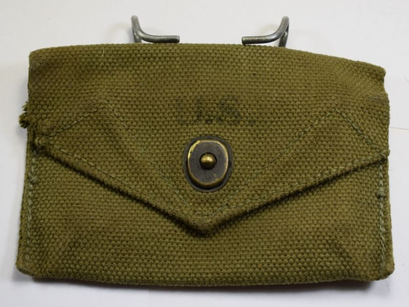 Excellent Original WW2 US Army Issue First Aid Dressing Pouch 1944