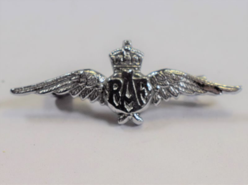 Small WW2 RAF Pin Back Wings Sweetheart Brooch