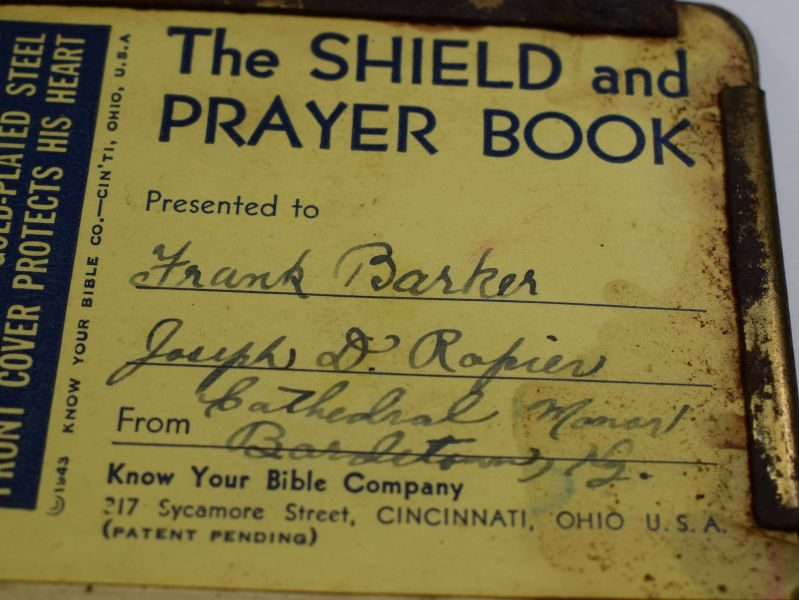 Interesting Original WW2 US Army Shield Prayer Book with Metal Heart Shield Front