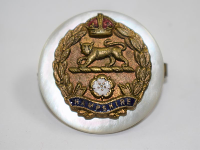80 Excellent WW1 WW2 Hampshire Regiment Sweetheart Brooch