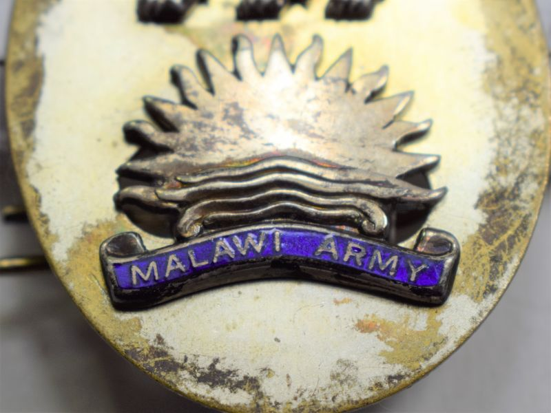 31 Nice Original British Officers Hallmarked Silver Cap Badge to The Milawi Army 1970