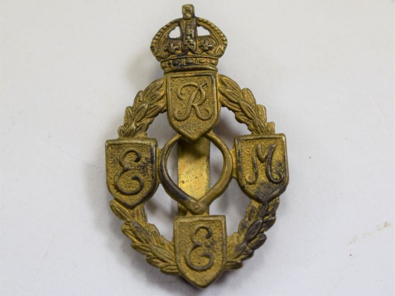 43 Good Original WW2 REME Badge in Brass