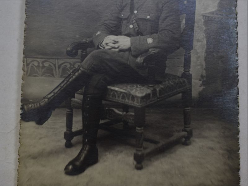 64 Interesting WW1 Studio Photograph of British Army Officer