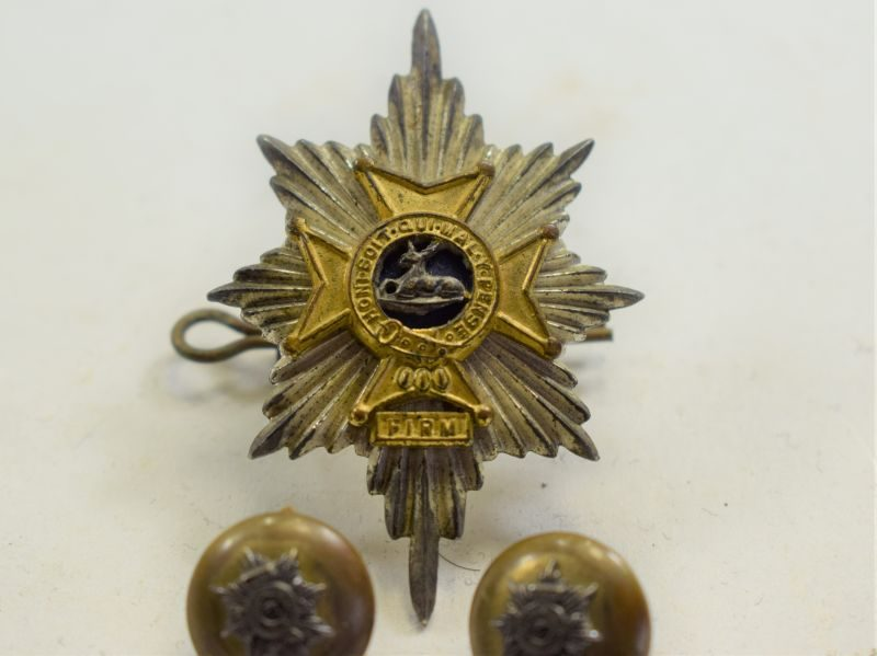 69 Excellent Post WW2 British Officers Worcester & Sherwood Foresters Cap Badge & Buttons