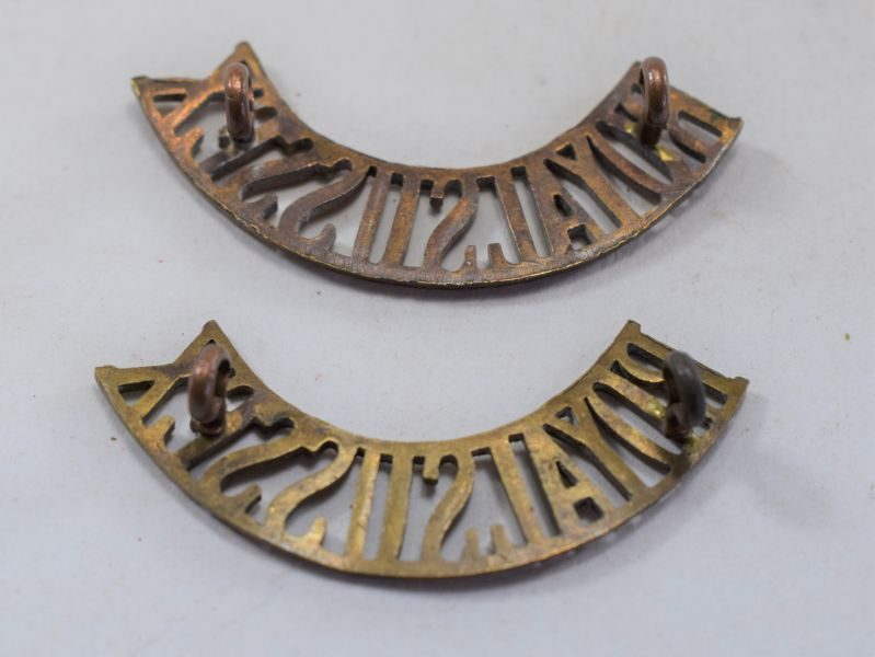 11 Original WW1 WW2 Royal Sussex Regiment Brass Shoulder Title Pair
