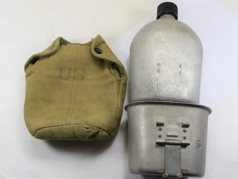 Post WW2 Korean War US Army Issue Water Bottle, Cover & Cup