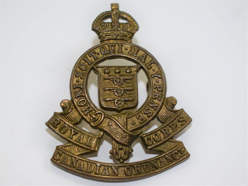 86 An Original WW2 Cap Badge Royal Canadian Ordnance Corps