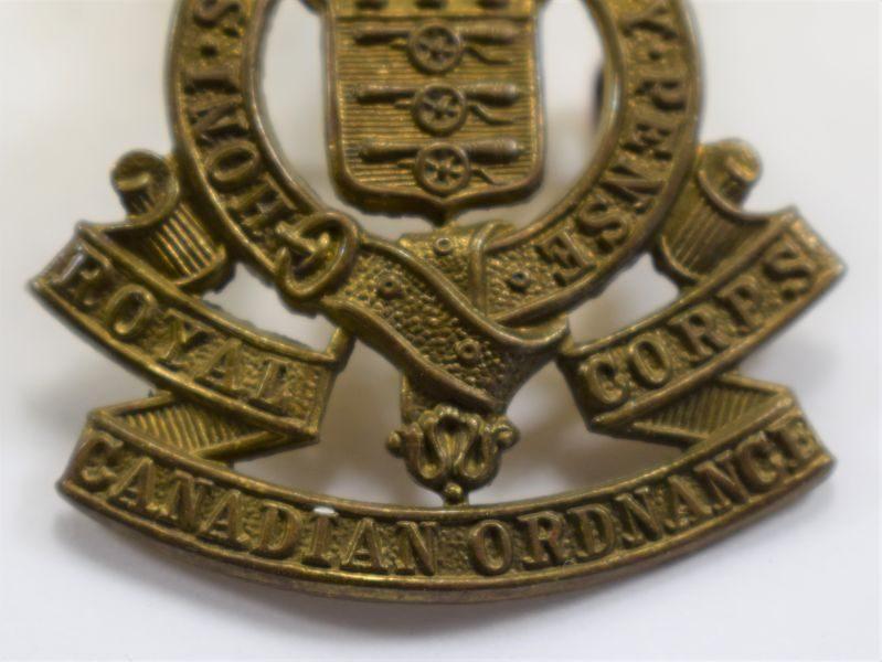 86 An Original WW2 Cap Badge Royal Canadian Ordnance Corps