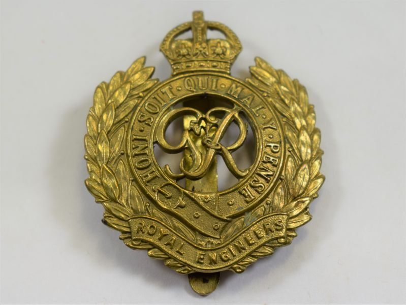 29 Good Original WW2 Royal Engineers Cap Badge