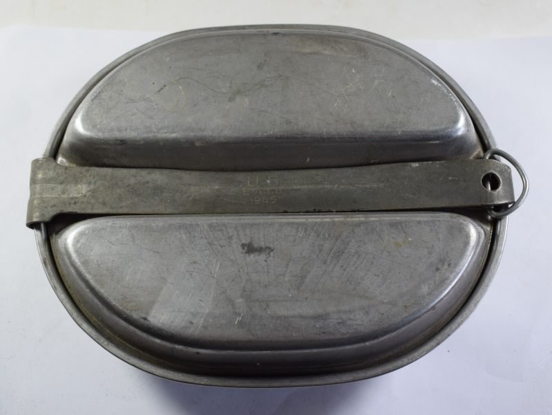 Original WW2 US Army Issue Mess Tins Meat Can E.A.Co 1945