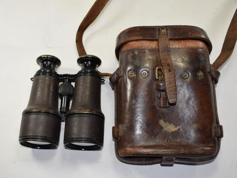 Excellent WW1 British Army Officers Field Glasses & Case 1917