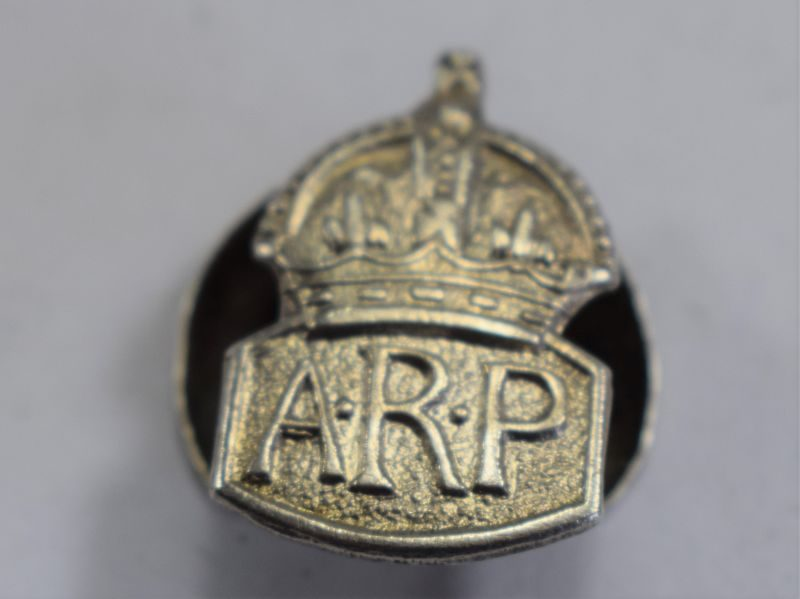 48 Lovely Small Size WW2 ARP Mans Lapel Badge  in Silver