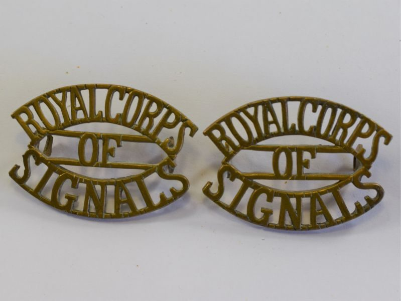 14 Original Pair WW2 Royal Corps of Signals Brass Shoulder Titles